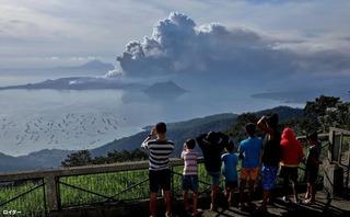 タール火山噴火3.jpg